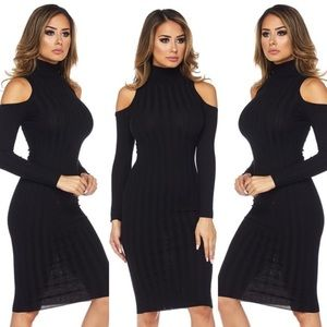 Dresses & Skirts - Turtleneck Cold Shoulder Dress