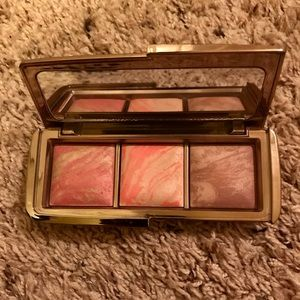 Authentic hourglass ambient blush palette
