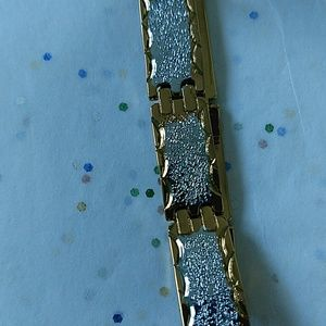 Jewelry - BEAUTIFUL two toned gold filled bracelet