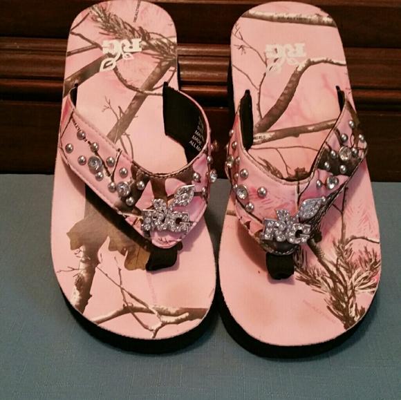Pink Realtree Camo Crystal Flip Flops