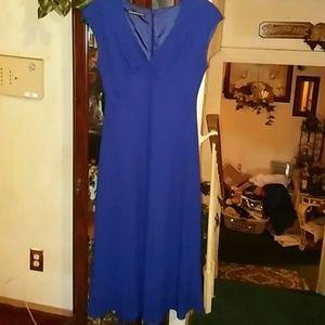 Beautiful sz 12 royal blue dress by Jones Wear Dre