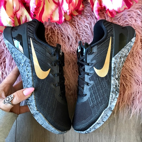 a824fd1bad43 NWT Nike Metcon 3 AMP marble gold