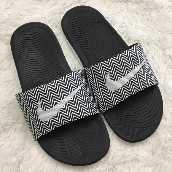 Nike slides chevron print black and white