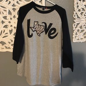 Tops - NWOT Leopard and sparkle baseball tee