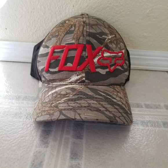 Fox Other - Men s camo flex fit fox hat 3186549a082