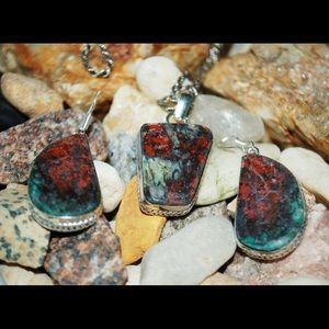 Needle Cuprite Chunky Pendant & Earrings Set