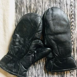 Accessories - leather mittens