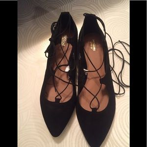 Shoes - Cute lace Up Flats
