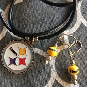 Pittsburgh Steelers necklace and earring set
