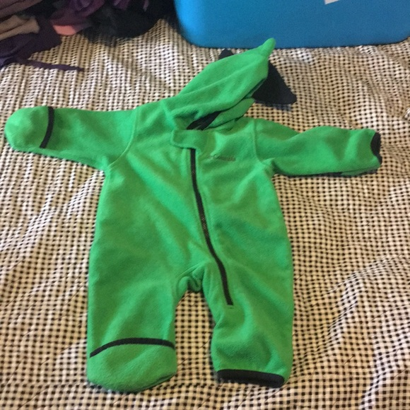 57c89d988 Columbia One Pieces | Baby Bunting 69 Months Dinosaur Spikes On Head ...