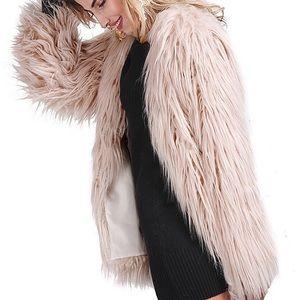 Jackets & Blazers - HP🏆Luxury Queen Creme Pink Fur Holiday Coat,2-16