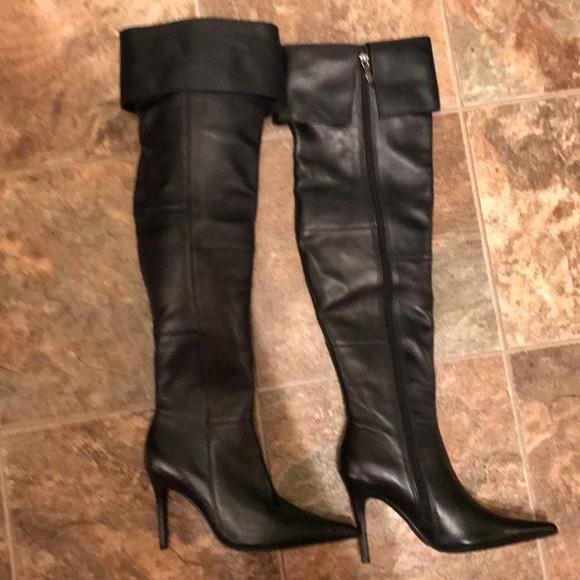 c1fcbbc9032 Final Drop 🙌Colin Stuart black leather heel boot