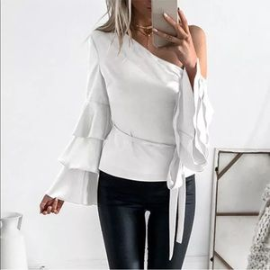 Tops - 🍾🎉SALE! Exposed Shoulder Ruffle Sleeve Blouse