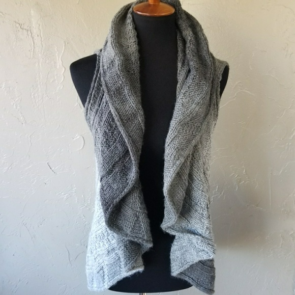 43431b5af6bf6 Endless Knit ruffle Circle Vest in Shades of Gray.  M 59fa3ec036d594223b0675c4