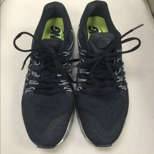 Nike Shoes - NIKE AIRMAX black running shoes sneaker size 9.5