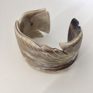 Jewelry - Leaf Engraved Natural Horn Cuff Bangle Bracelet