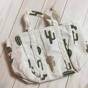 Handbags - Super cute Cactus lunch bag