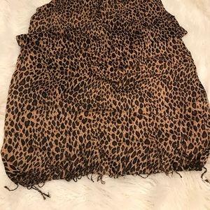 Accessories - 8 various scarves