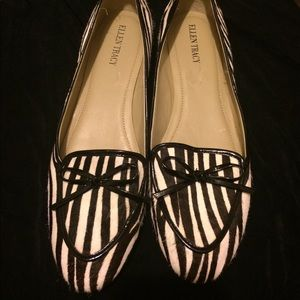 EUC, Zebra striped trimmed in patent leather w/