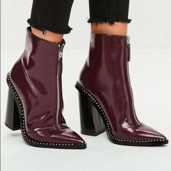 68668256 Burgundy front Zip pointed ankle boot NWT