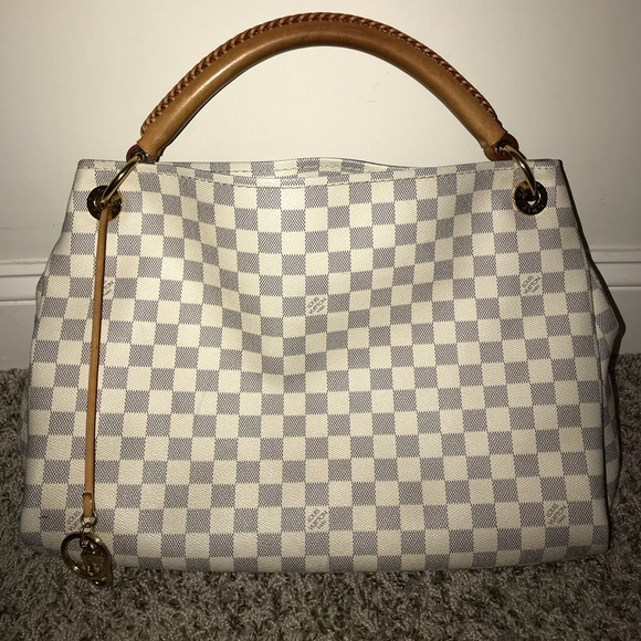 31aa2f88ab21 Louis Vuitton Handbags - Louis Vuitton Artsy MM Damier Azur Bag