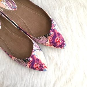 Bp floral pointed toe flats