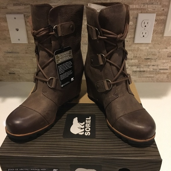 e18150b861c3 Sorel Women s Joan of Arctic Wedge Mid boots