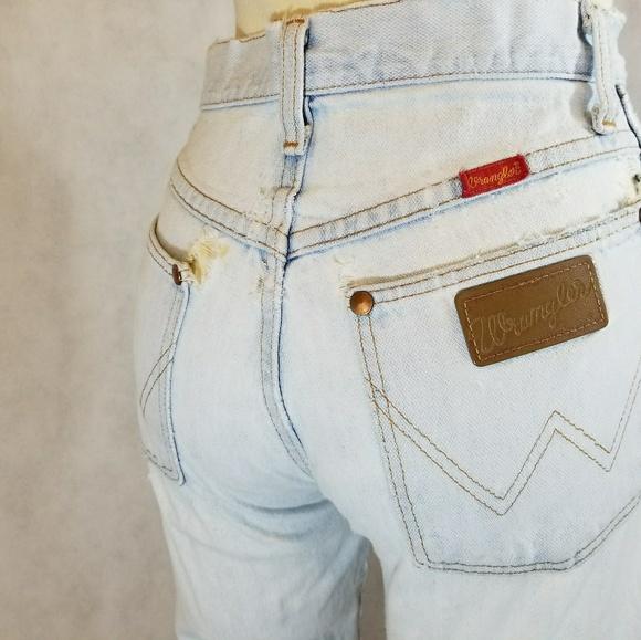 7cc7bd04 Authentic vintage wranglers white wash mom jeans. M_59fa981e5c12f86bde00b97b