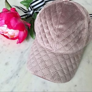 Accessories - 🎁2 for $24! Mauve Velvet Hat