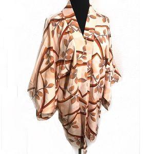 Vintage Jackets & Coats - Beautiful vintage kimono