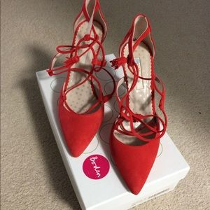Boden Heels  with tassels!