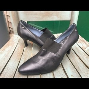 Women's Rockport Black Leather Booties Size 7.5M
