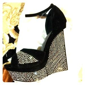 Black and silver wedges