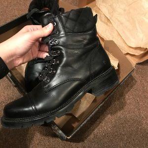 88dac1c7259 ❄️Frye Samantha Hiker Boot Smooth Black Leather ❄️