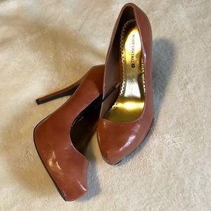 Cognac faux leather stilettos