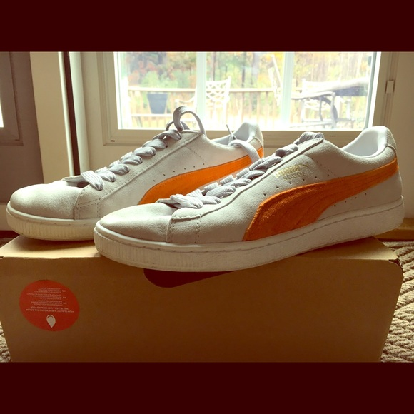 Price Reduced! Men s Puma Suede Sneakers Size 10. M 59fb2f0b2ba50ab68701ef82 12315752b