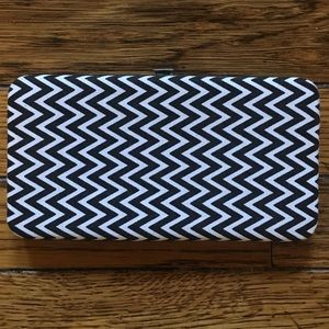 Handbags - NEW Black and White Chevron Clasp Wallet
