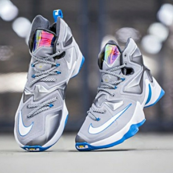 837cdc18697b LEBRON JAMES XIII 13. M 59fb441cf0137d4bfd021c17