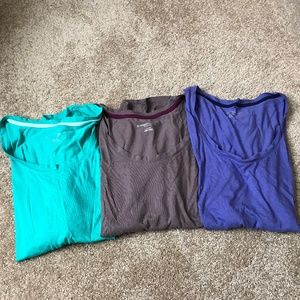3 Liz Lange Maternity Tee Shirts Size XL