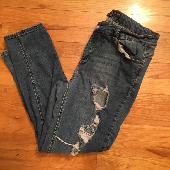 37854898ed9 Forever 21 Denim - Forever 21+ ripped skinny jeans size 14