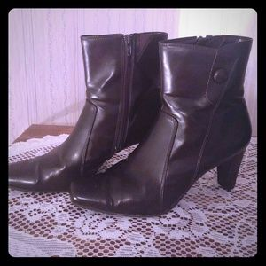 Predictions Heeled Boots