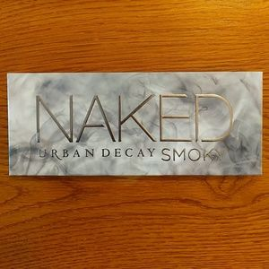 NEW Urban Decay Naked Smoky Eyeshadow Palette