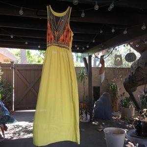 Dresses & Skirts - NWOT Sweet Yellow and Tribal Print Maxi Dress