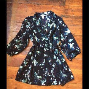 Liz Lange maternity for target blouse M