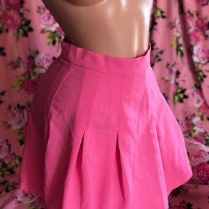 Hot pink barbie fluorescent pleated skirt monteau