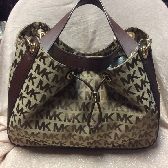 NEW!! Michael Kors Ludlow Shoulder Bag NWT