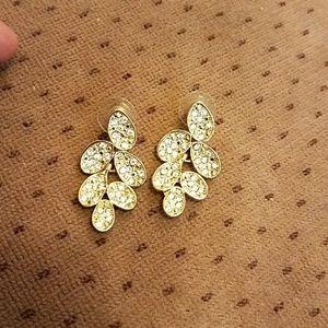 Sparkle leaf dangle earring