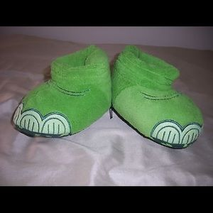 Other - Disney's GOOD DINOSOUR, Toddler Slippers,Sz 9/10.