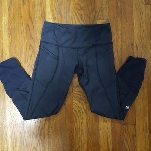 Lululemon athletica Navy Cropped Leggings
