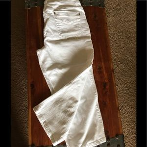 Chico's Platinum white capris
